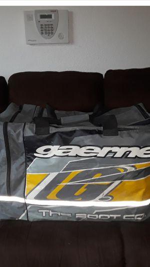 BIG GAERNE SPORTS GEAR MOTOCROSS MOTORCYCLE OFF ROAD GEAR DUFFLE/DUFFEL BAG for Sale in Perris, CA