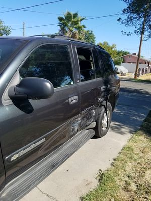 03 Chevy Trailblazer wrecked but runs for Sale in Atwater, CA