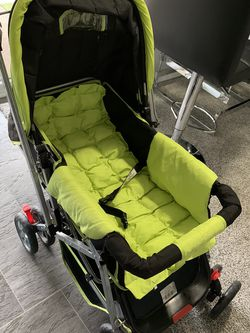 Stroller Perfect Condition. Smoke And Pets Free Home Seriously Buyers Only Please Check My Other Post Thanks for Sale in Lynnwood,  WA