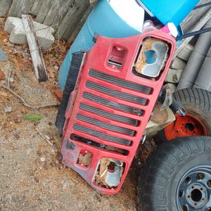 Jeep Yj Grill With Radiator for Sale in West Greenwich, RI