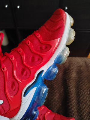 Vapormax size 11 authentic 100% for Sale in Chicago, IL