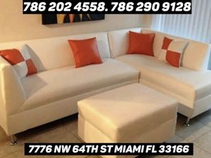 Gorgeous sectional sofa never used for Sale in Miami, FL