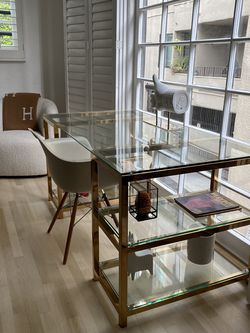 HD buttercup Desk & Chair for Sale in Beverly Hills,  CA
