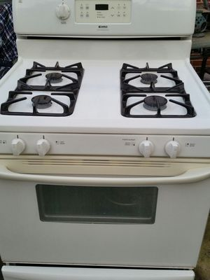 Gas stove 4 months warranty for Sale in Alexandria, VA