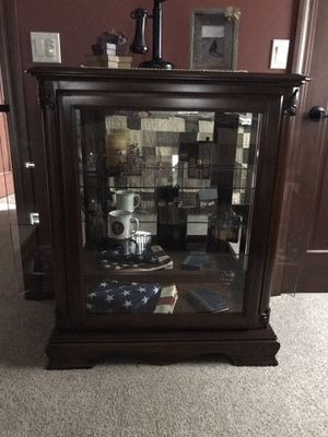 Display Curio for Sale in Manitowoc, WI