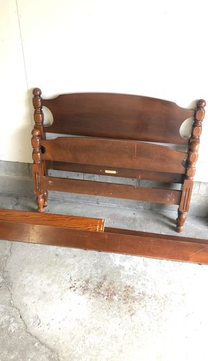 Twin bed frame with head and foot board. for Sale in Canton, OH