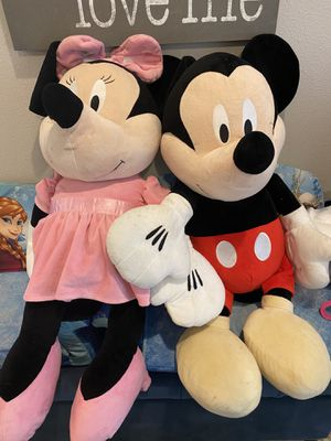 Huge Mickey and Minnie Plush 3 ft tall toy stuffed animals for Sale in Maple Valley, WA