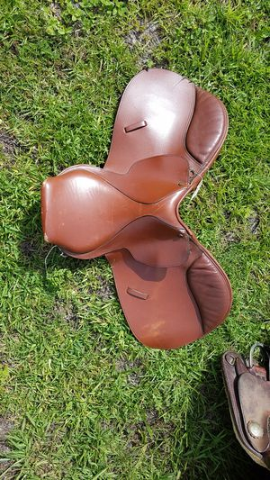 Lancer English saddle for Sale in Gulf Breeze, FL