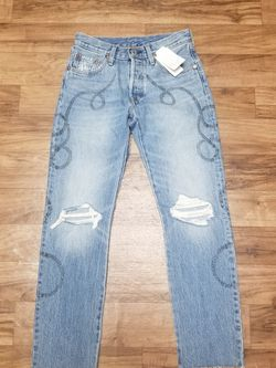 Nwt! Levi's 501 Spiral Distressed Denim /Sz 24x28 for Sale in College Park,  GA