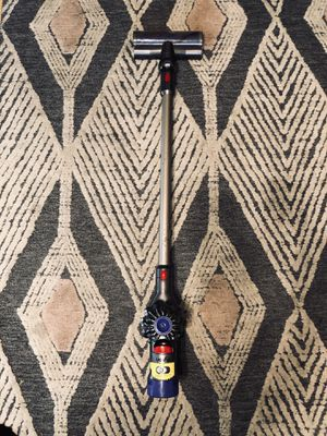 DYSON V8 animal cordless vacuum for Sale in Fontana, CA