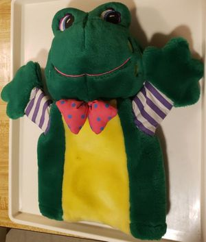 Frog Hand Puppet Plush 1995 Kids II Stuffed Animal Story time classroom bowtie for Sale in Spring Valley, CA