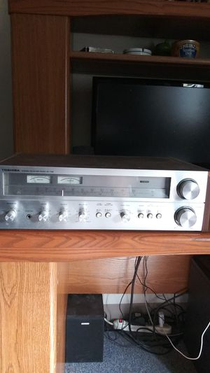 Toshiba stereo receiver model sa - 75 in excellent condition for Sale in East Providence, RI