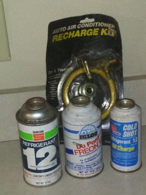 Sercon refrigerant 12,igloo dupont freon 12,& cold shot refrigerant 12 oil charge for Sale in Mabank, TX
