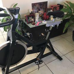 Vendo Bicicleta de ejercisios for Sale in Miami,  FL