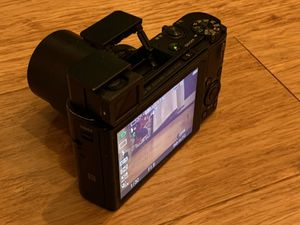 Sony RX100 iii (m3) 20.1 MP Premium Compact Digital Camera for Sale in San Diego, CA