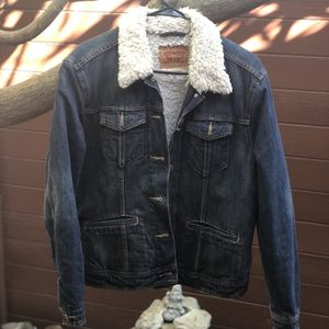 Women's Levi Sherpa Jacket for Sale in Chino, CA
