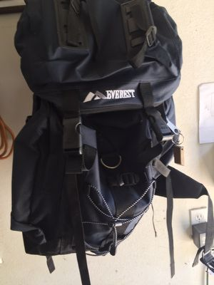 Everest brand hiking backpack for Sale in DeBary, FL