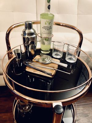 ⭐️New Scotia Contemporary serving cart(Rose Gold) PICK UP BY ASHLAN AND TEMPERANCE IN CLOVIS for Sale in Clovis, CA
