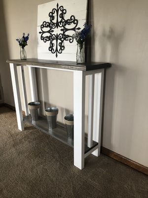 Console table for Sale in Orient, OH