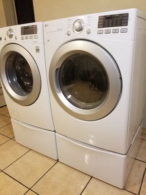 LG WASHER AND ELECTRIC DRYER LARGE CAPACITY FREE DELIVER AND INSTALLATION for Sale in Glendale, AZ