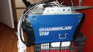 Chamberlain 1/2 horsepower Electric garage door opener for Sale in Mulberry, FL