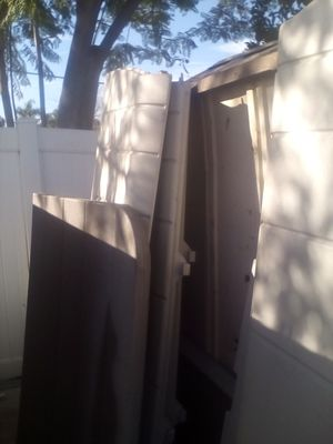 Rubbermaid storage shed for Sale in Riverside, CA
