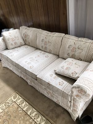 Drexel sofa for Sale in McKeesport, PA