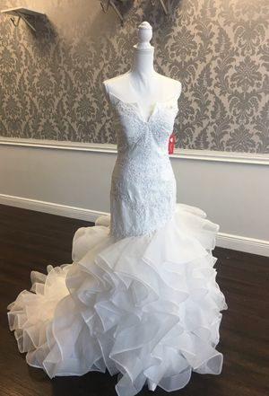 New size 4 wedding gowns for sale $3100 for Sale in West Palm Beach, FL