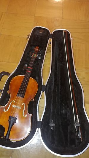 Violin and Bow W/Case for Sale in Greenbelt, MD