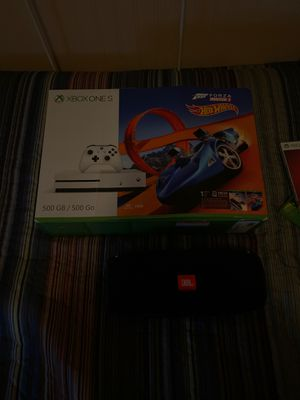 Xbox one S and jbl xtreme for Sale in Saugus, MA