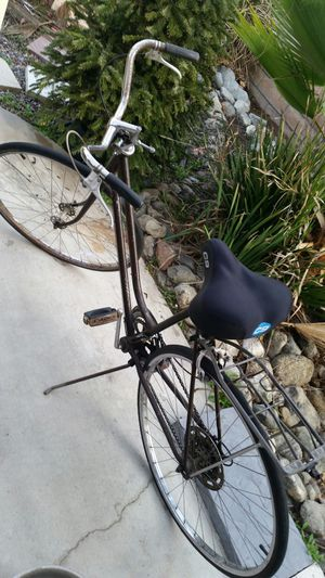 NAME PRICE! AWESOME READY TO RIDE OLD VINTAGE SCHWINN BIKE BICYCLE ROAD NOT BMX MTN MOUNTAIN for Sale in Rancho Cucamonga, CA
