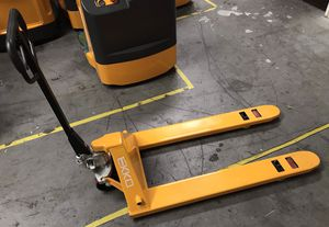 2020 EKKO PALLET JACK FOR SALE for Sale in Los Angeles, CA