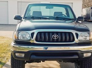 This truck will keep going for years to come TOYOTA TACOMA 2001 for Sale in Cleveland, OH