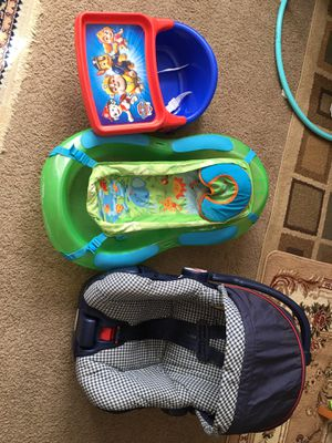 Baby bundle(Car seat with base,bath tub,booster chair and sliding chair) for Sale in Yonkers, NY