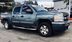 2010 Chevy SILVERADO LT for Sale in Erie, PA
