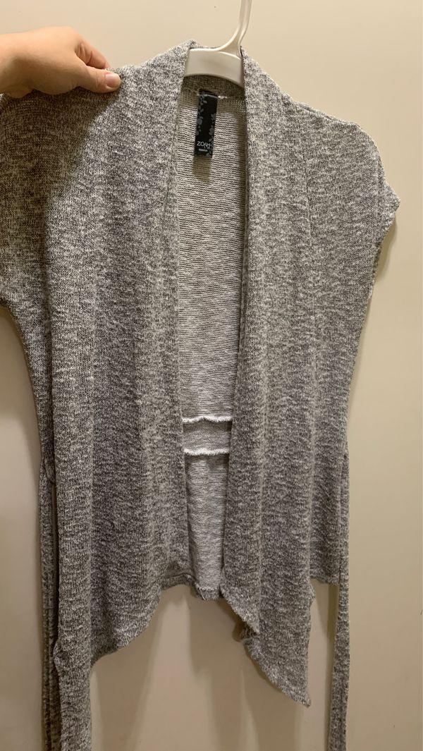 Cute gray cardigan medium $4firm