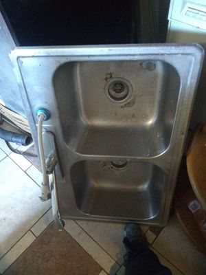 Kitchen sink for Sale in Auburn, WA