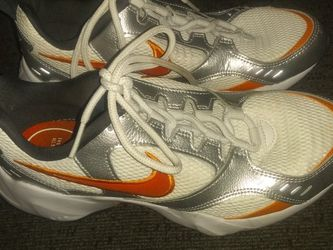 Nike Orange And White for Sale in Portland,  OR