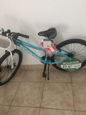 Schwinn Mountain 27.5 Wheel size Brand New with extras for Sale in Miami, FL