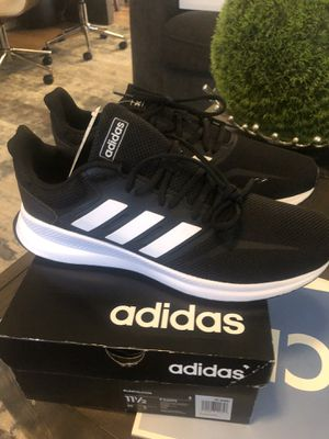 Brand new men's adidas size 11.5. for Sale in Fowler, CA