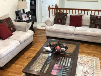 Full Sofa Set With Center Table And Two Side Tables for Sale in Carle Place,  NY