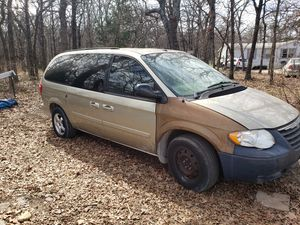2006 Chrysler Town and Country mini van for Sale in Springtown, TX