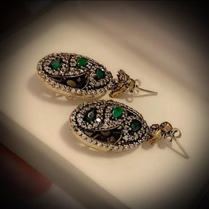 EMERALD PAISLEY FINE ART DANGLE EARRINGS Solid 925 Sterling Silver/Gold WOW! Brilliantly Faceted Pear Cut Gemstones, Diamond Topaz M2745 VS for Sale in San Diego, CA