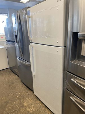 Insignia Refrigerator for Sale in Croydon, PA