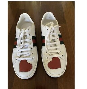 Gucci White Ace Heart Sneakers Good Condition for Sale in Houston, TX