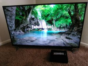 43 inch TCL Roku Smart TV with mini DVD Player for Sale in Albuquerque, NM