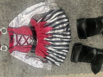Girl Pirate Costume Great Condition 6x for Sale in San Jose,  CA