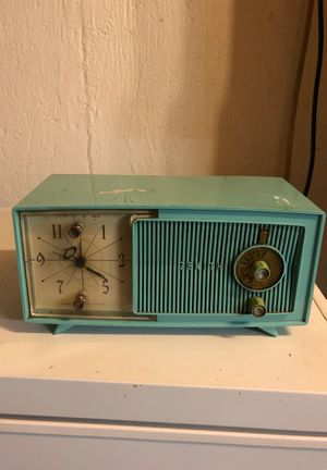 Vintage radio and clock for Sale in Manchester, CT