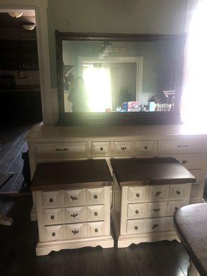 7 piece bedroom set for Sale in Perkasie, PA