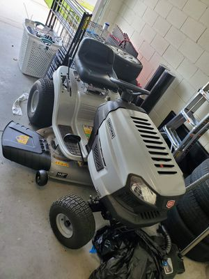 Craftsman tractor mower for Sale in Kissimmee, FL